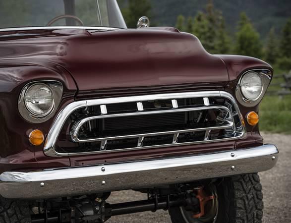 Conversão do Caminhão Napco | Legacy Classic Trucks - Imagem - 3