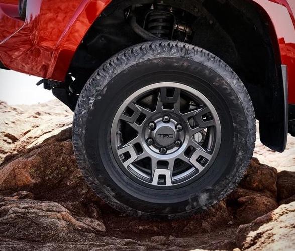 SUV TODO TERRENO - Toyota 4Runner Venture Edition 2020 - Imagem - 2