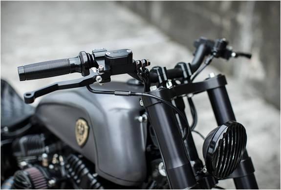 3795_1410556501_moto-personalizada-rough-crafts-urban-cavalry-8.jpg - - Imagem - 8