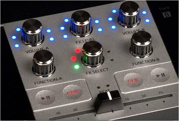 3878_1413407786_monster-go-dj-portable-mixer-7.jpg - - Imagem - 7
