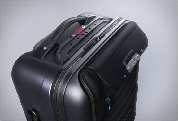 3896_1414186066_bluesmart-smart-carry-on-9.jpg - - Imagem - 9