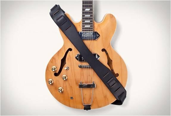 3902_1414189645_correira-de-couro-img-tanner-goods-guitar-strap-7.jpg - - Imagem - 7