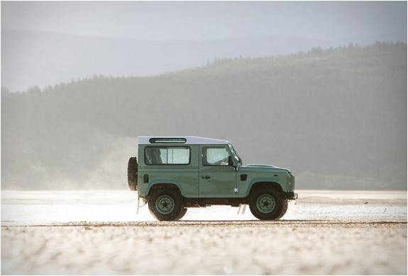 4180_1424103325_land-rover-defender-celebration-series-15 (1).jpg - - Imagem - 15
