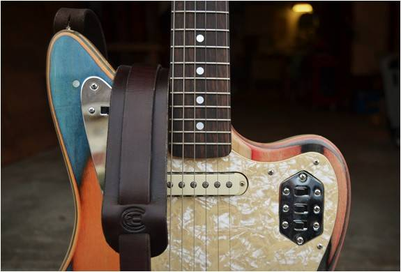 4616_1445006333_prisma-guitars-7.jpg - - Imagem - 7