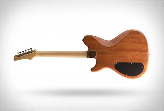 4616_1445006374_prisma-guitars-9.jpg - - Imagem - 9