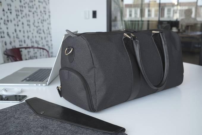Bolsa com Carregador de Celular | Emery & Oak - Imagem - 2