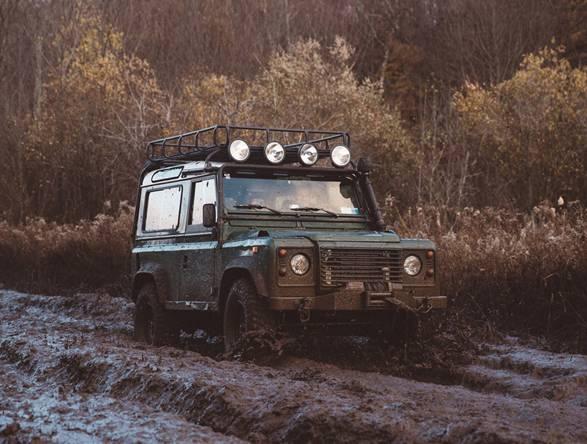 Revista Alloy + Grit - para Entusiastas da Land Rover - Imagem - 4
