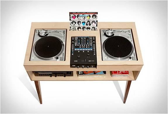 MESA MINIMALISTA - DJ STAND