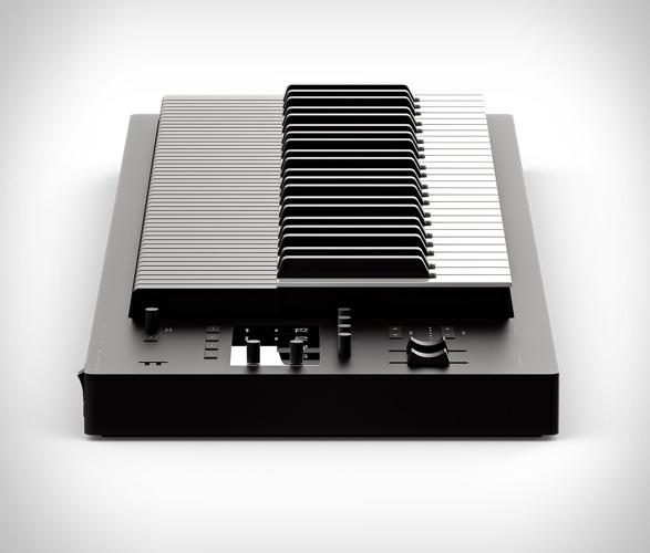 expressive-e-osmose-keyboard-6.jpg - - Imagem - 6