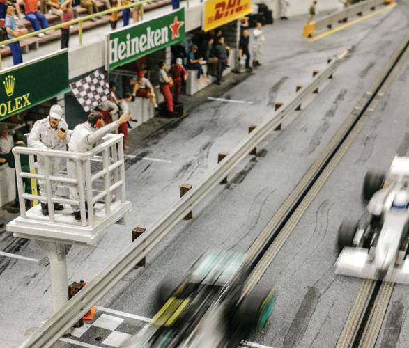 formula-1_slot-car-racetrack-10.jpg - - Imagem - 11