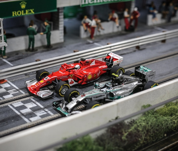 Pista de Corrida de FORMULA 1 SLOT CAR RACETRACK - Imagem - 4