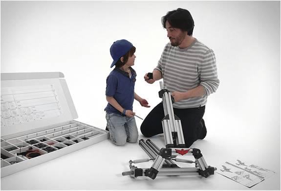 Carrinhos Montáveis - Um Lego de Tamanho Real - Infento - Imagem - 2