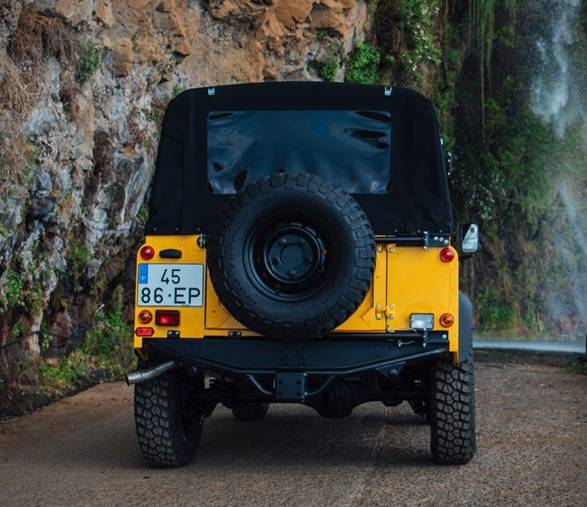 Land Rover Defender D90 Beach Runner - Imagem - 5