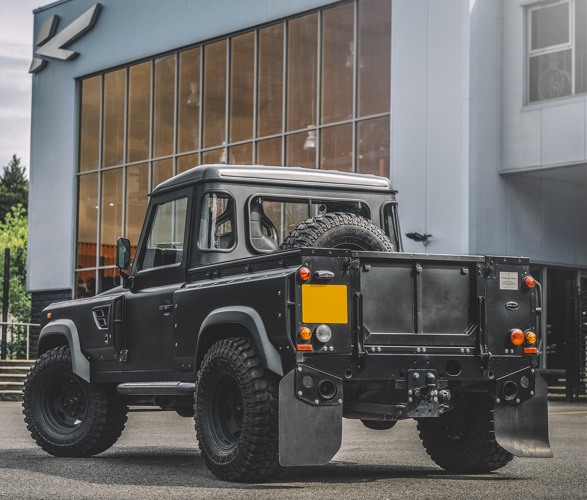 LAND ROVER DEFENDER 90 LONG NOSE - Imagem - 2