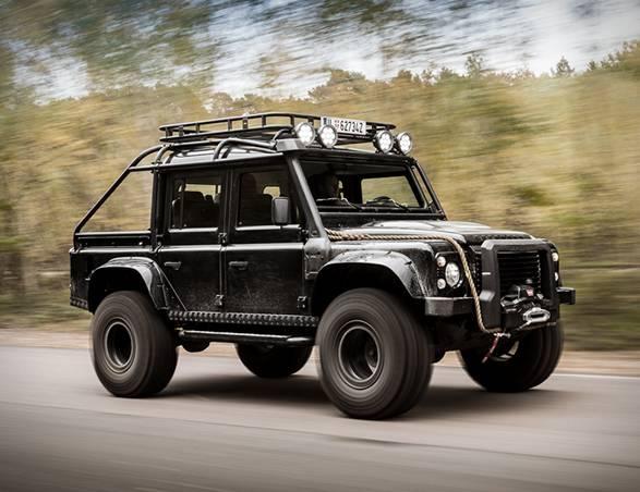 Land Rover Defender | Tweaked SPECTRE - Imagem - 2