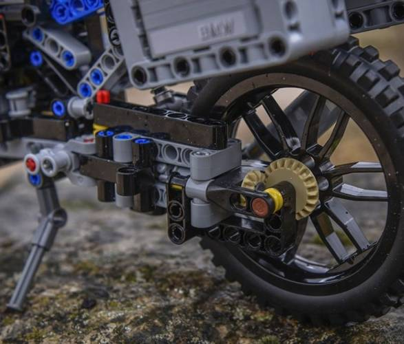 LEGO BMW GS Aventura - Imagem - 4