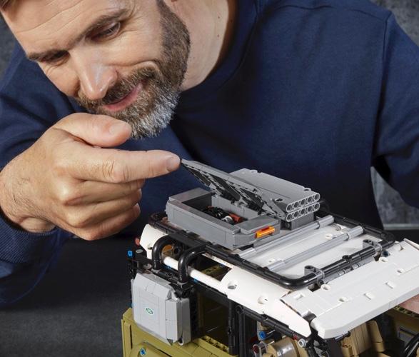 LEGO TECHNIC LAND ROVER DEFENDER - Imagem - 4