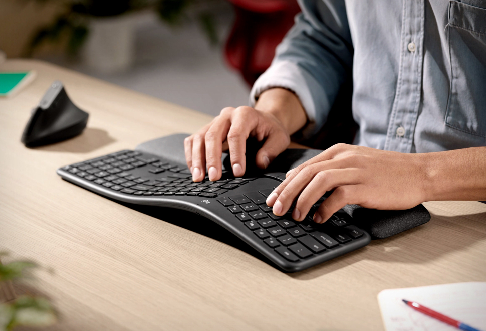 Logitech Ergo K860 Wireless Keyboard - Imagem - 1