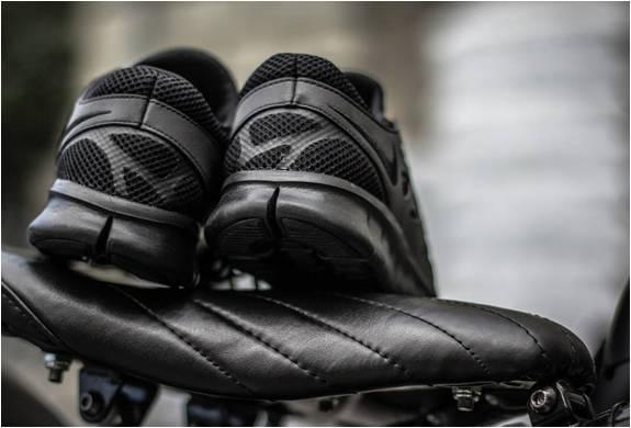 NOVO TÊNIS NIKE FREE RUN 2 TRIPLE BLACK - Imagem - 3