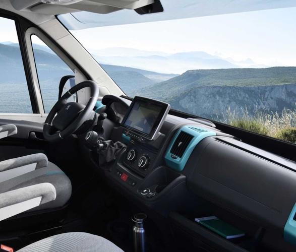 VAN Peugeot - Boxer 4x4 Camper Van - Imagem - 3