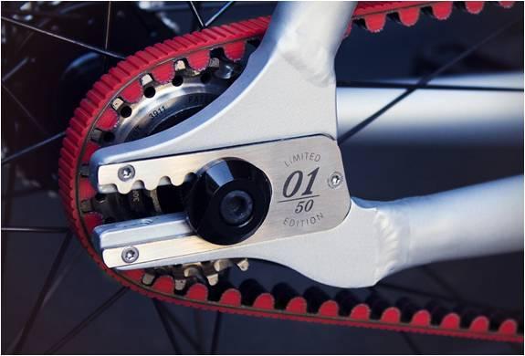 EDIÇÃO LIMITADA - VIKYTOR RED RACE BICYCLE - Imagem - 5