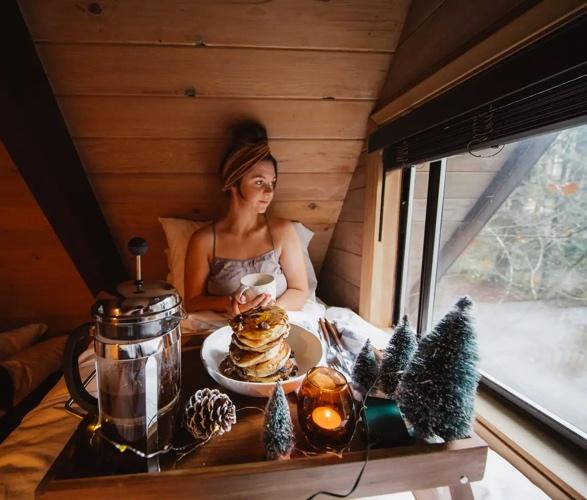 sky-haus-aframe-cabin-airbnb-6.jpg - - Imagem - 6