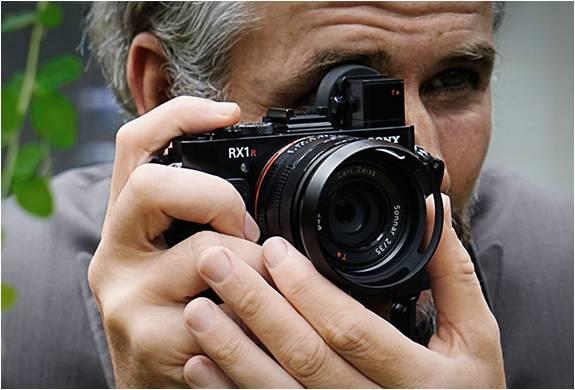 Câmera espetacular do tamanho da palma da mão - RX1R II - Sony - Imagem - 5