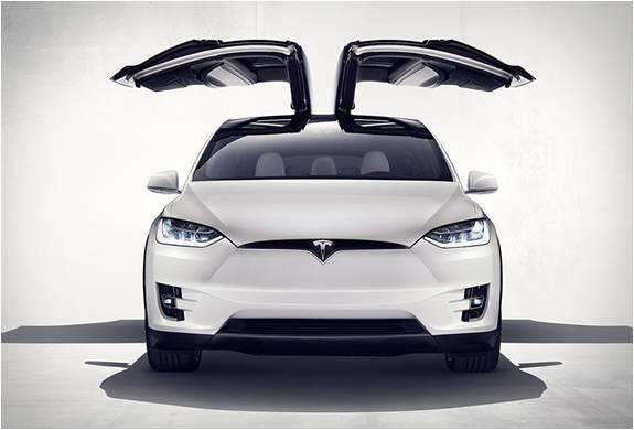 SUV Elétrica Tesla - Modelo x - Imagem - 2