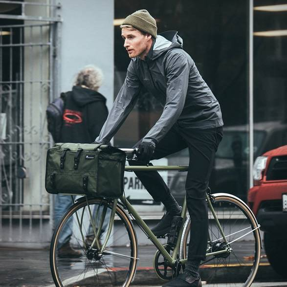 Bolsa para Bicicleta Helmsman Duffle | Mission Workshop - Imagem - 2