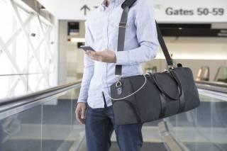 Bolsa com Carregador de Celular | Emery & Oak