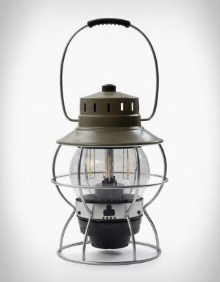 Lanterna com Estilo Vintage e Tecnologia Moderna - BAREBONES RAILROAD LANTERN - Imagem - 4