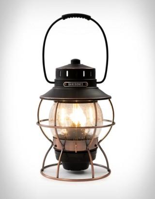 Lanterna com Estilo Vintage e Tecnologia Moderna - BAREBONES RAILROAD LANTERN - Imagem - 5