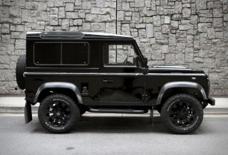 Blacked-Out Defender 90