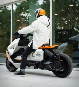 Scooter Elétrica BMW Definição CE 04 - Imagem - 4