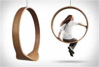 Cadeira de Balanço no Anel de Rotação
