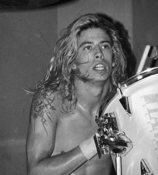 Líder do Foo Fighters e Ex-Baterista do Nirvana - DAVE GROHL THE STORYTELLER - Imagem - 4