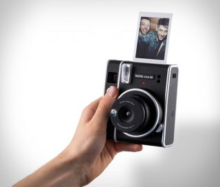 Câmera Digital FUJIFILM INSTAX MINI 40 INSTANT - Imagem - 2