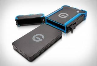 GNARBOX 2.0 RUGGED BACKUP DEVICE