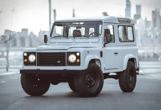 Land Rover Defender Personalizada em Branco