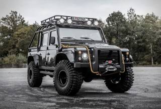 Land Rover Defender | Tweaked SPECTRE