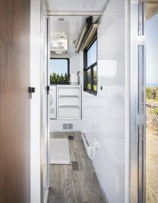 Trailer 2021 Living Vehicle - Imagem - 3