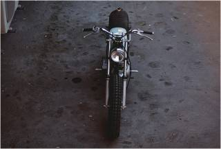 MOTO PERSONALIZADA YAMAHA SR250 - Imagem - 3