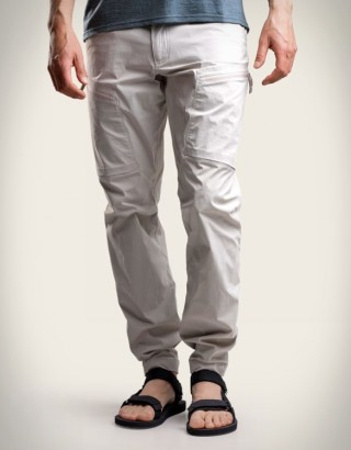 Calça versátil e extremamente leve - NORRA LIND OUTDOOR PANTS - Imagem - 2
