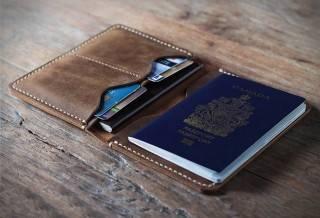 Carteira Passaporte em Couro | JooJoobs