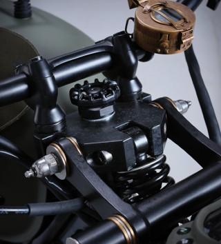 Moto Comemorativa - Triumph Bonneville VE Day Commemorative Bike - Imagem - 4